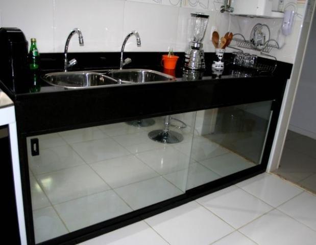 Pia De Cozinha Com Portas De Blindex Espelhado Com Imagens