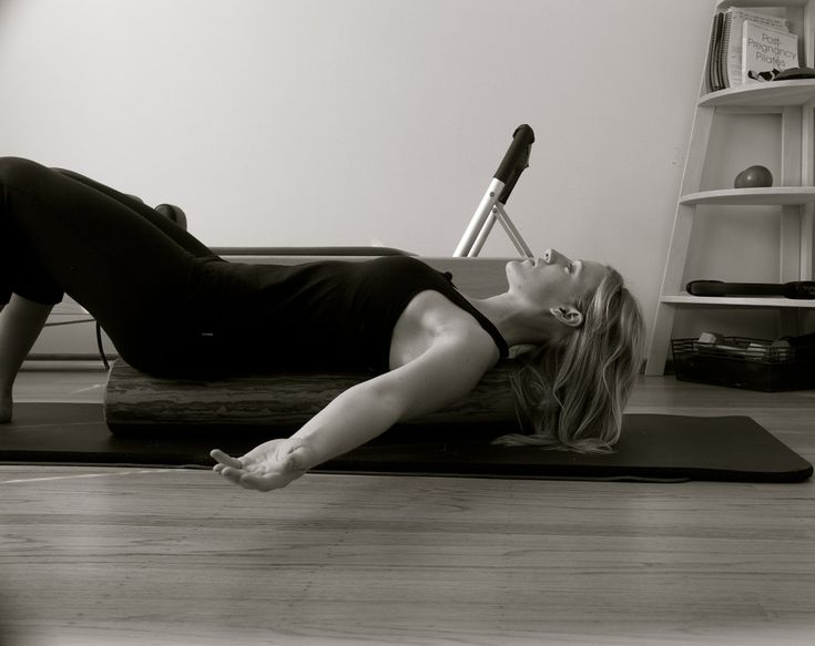 Neck and shoulder exercises with foam roller