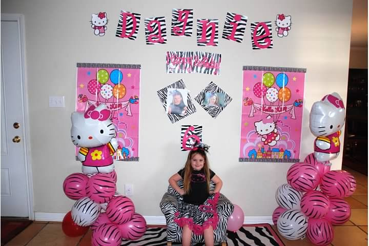 Hello Kitty Birthday Party ...so many cute ideas!