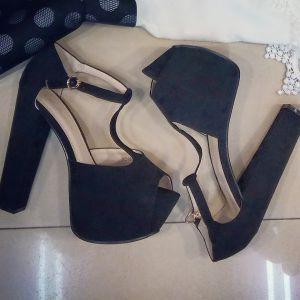 Sandale negre cu toc gros si platforma - sandale cu toc gros, sandale negre cu toc, sandale platforma si toc