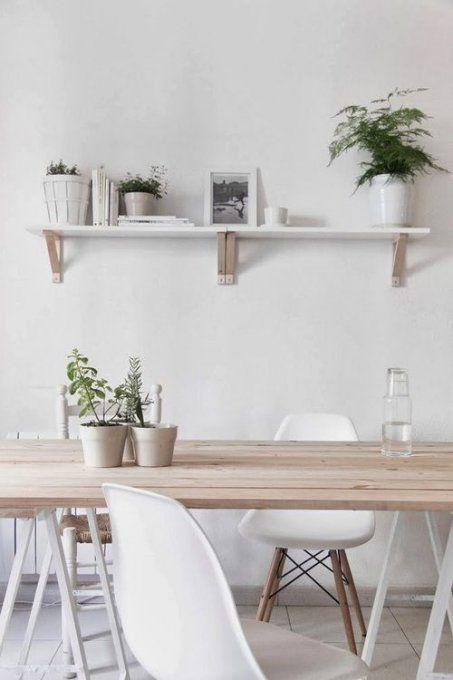 Salle à manger à la décoration scandinave tréteaux