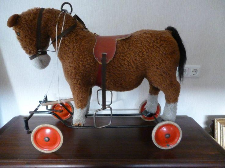 Steiff antikes Pferd auf Rädern Stimme | eBay 280,--  Steiff antikes Pferd auf Rädern H x L : ca. 60 x 67 cm vmtl. 40 iger Jahre Räder um 360 Grad schwenkbar mit funktionierender Stimme  guter bespielter Zustand