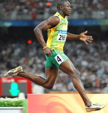 When Usain Bolt received gold in the 100m, 200m and 4x100m relay in 2008 and 2012!Frozen Motion, Sports Photography, Amazing Guitar, Sports Moments, Guitar Players, Amazing Bolt, Olympics 2012, Weights Loss, Usain Bolt