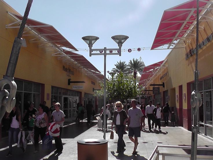 Are you a shopper? Check out Premium Outlet North in Las Vegas, USA. #Shopping #PremiumOutletNorth #LasVegas #USA