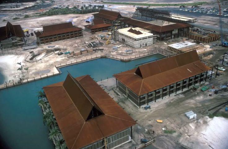 Building the polynesian hotel disneyworld vintage