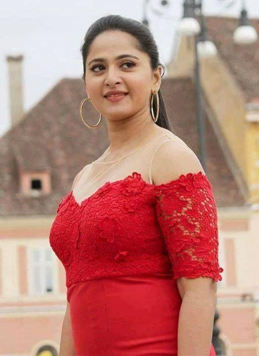 Anushka Shetty :)
