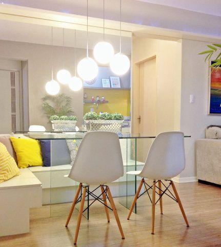 Esta sala de 14m², em Porto Alegre, foi projetada pelas arquitetas Fernanda Fleck e Larissa Bassi, do Ambientta Arquitetura.