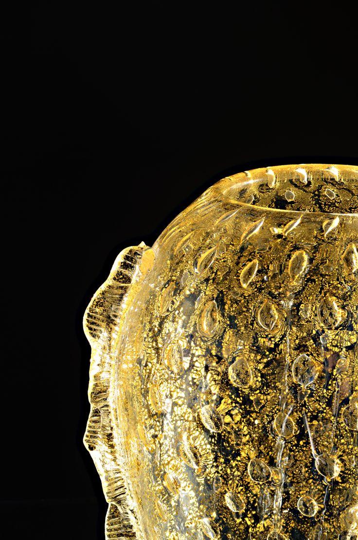 vase by #SegusoGianni #gold #vase #glass #details #glassfactory #Murano #Muranoglass