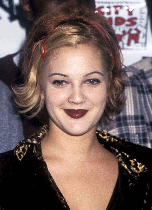 Get Out Your Lip Liners—Five '90s Beauty Trends Making a BIG Comeback | Cabelo bonito, Tendências de cabelo, Maquiagem anos 90
