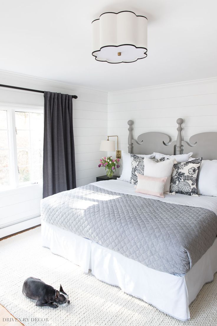 Great Ideas For Organizing And Decorating Your Bedroom For Spring Organization Bedroom Bedroominspo Decor In 2020 Small Bedroom Home Decor Modern Cozy Living Room