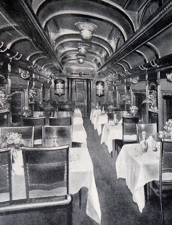 Chicago and North Western Transportation Company first class dining car