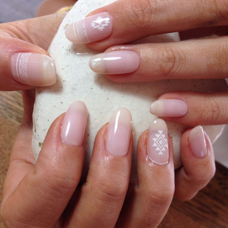 Love nails:) See thorough colour makes pretty natural!! Must be suit your skin tone:) Geometric @anticia