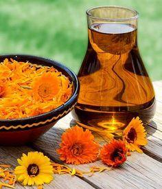 DIY-Rezept für ein selbst gemachtes mildes Duschgel aus nur 4 Zutaten - ideal für empfindliche Haut