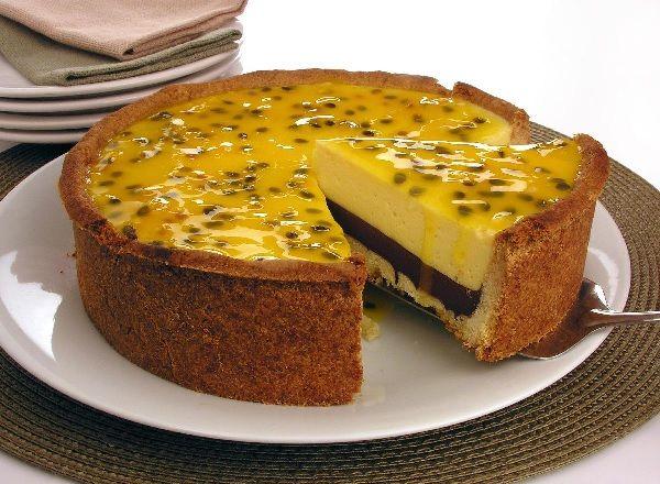A Torta Surpresa de Maracujá é uma sobremesa deliciosa e que vai agradar a todos os seus familiares e convidados. Experimente! Veja Também:Torta Mousse de