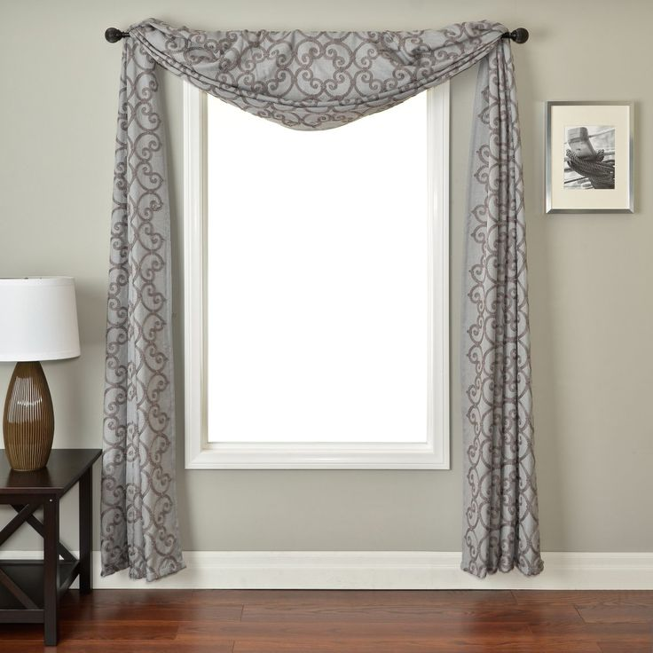 This Window Scarf Looks Very Formal And Would Look Great In A Family Room Or Living