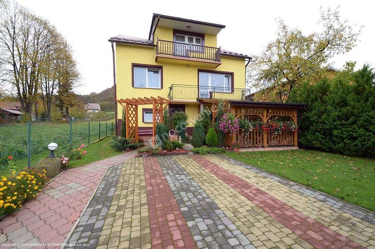 Willa pod Zielonym Wzógrzem to sprawdzony obiekt w Bóbrce. Polecamy: http://www.nocowanie.pl/noclegi/solina/domki/83815/