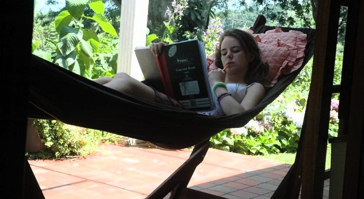 www.dreamtimehammocks.co.za - Relax in the Hammock Lounger. Perfect for reading and studying.