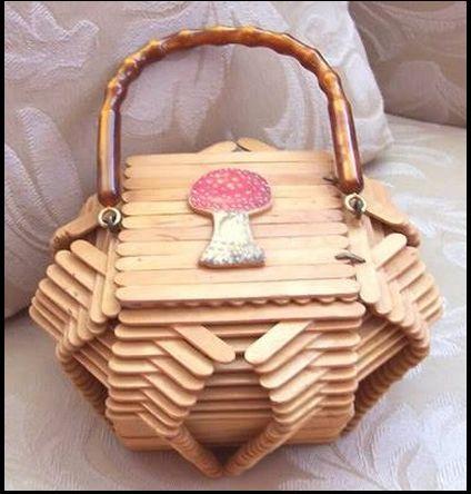 Una bonita canasta hecha con palitos de helados...