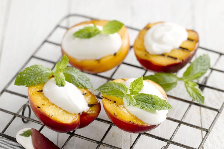Een heerlijk licht en gezond dessertje, en je kan het ook perfect klaarmaken op de barbecue.