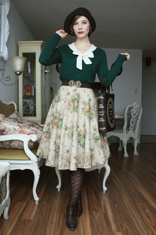 {Fanny Rosie} Green and Floral Yeah, Dunno if I would wear this or pull it off.. but cute!