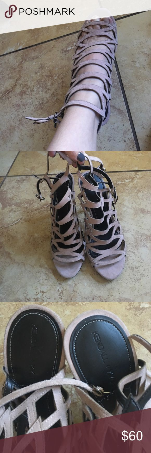 Kendall and Kylie sexy heels Excellent condition Kendall and Kylie sexy heels in a size 7 very lightweight and super cute for any night out for additional pics just ask Kendall & Kylie Shoes Heels