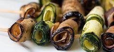 Verrassende gevulde courgette en aubergine rolletjes. Bereid en geserveerd op een stokje, succes gegarandeerd :)