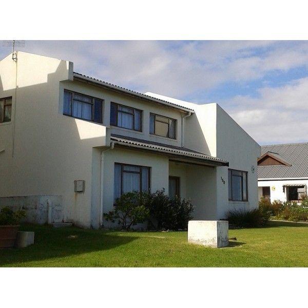 Kusweg Holiday Accommodation #Kleimond #WhaleCoast Lovely family Holiday Home