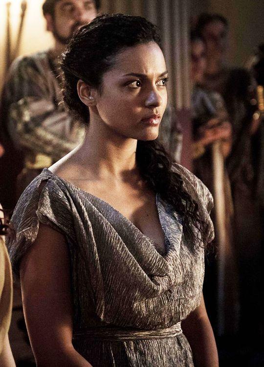 Jessica Lucas in 'Pompeii' (2014).