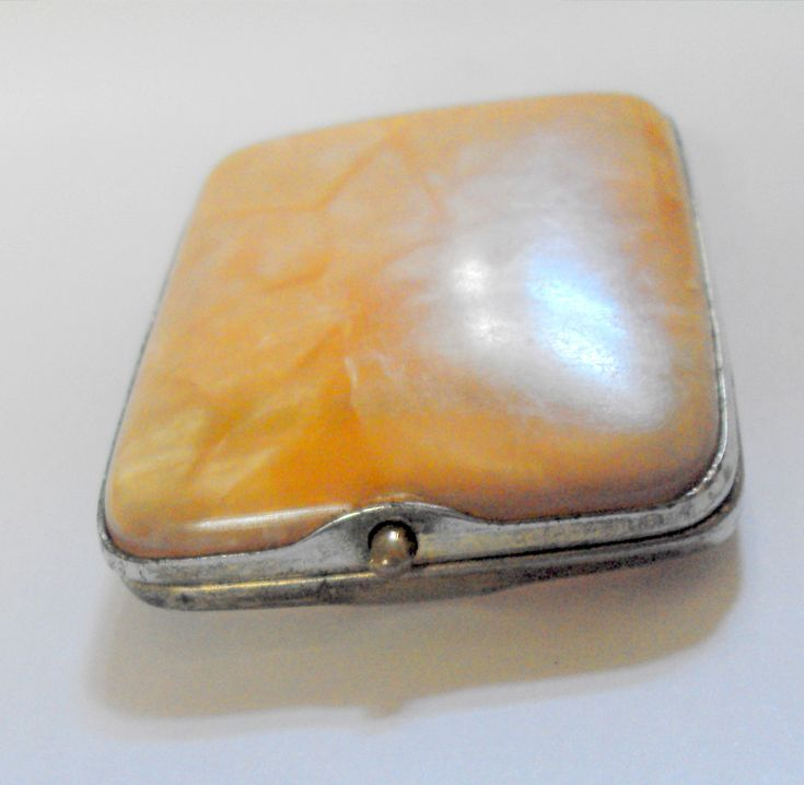 11556 £16 inc UK post. Offers welcome. #Vintage lucite match book holder