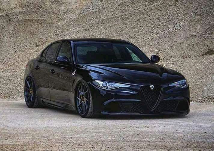 Pin By Andras Elmont On Alfa Romeo Autok Autok Motorok Motor