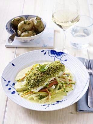 Das Rezept für Dorsch mit Kruste  zu Julienne-Gemüse und Dillkartoffeln und weitere kostenlose Rezepte auf LECKER.de