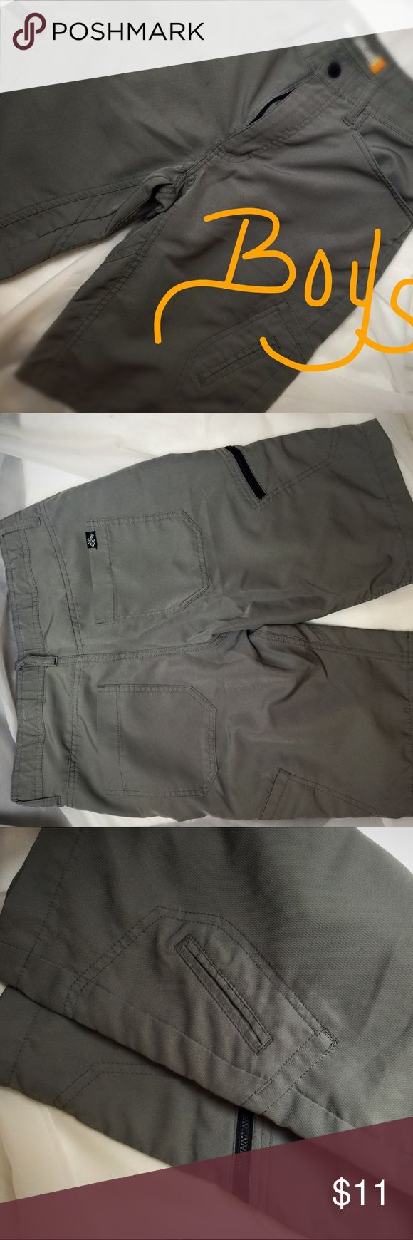 LEE DUNGAREES BOYS Gray Shorts, Sz 14 (boys) Lee Dungarees Gray shorts with zipper pocket on one leg and cargo pocket on other.  Adjustable waste. 100% Polyester shorts.  Very gently used, like new condition. Lee Bottoms Shorts