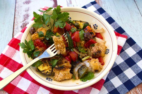 Овощной салат с хлебом