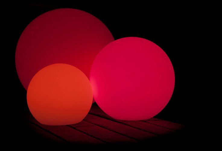 BALL 25 LAMPADA A LED COLORATI DA INTERNO ED ESTERNO SENZA FILO  PROMOZIONE SC5%