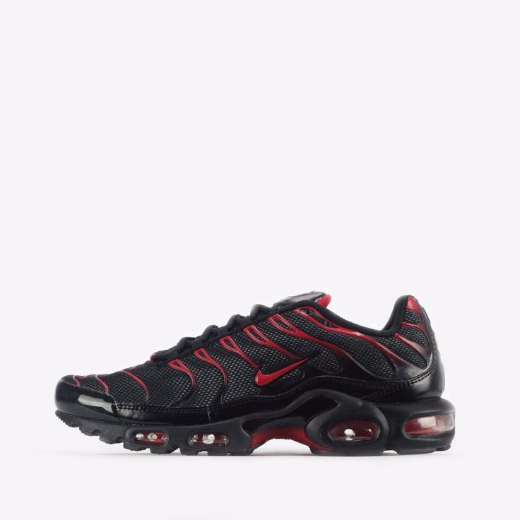 nike tn black with white tick