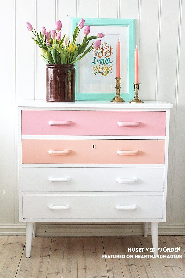 *faints* Those Colours!! The very best of Neopolitan icecream ;) Huset Ved Fjorden painted drawers and click through to see 19 ideas for refurbishing old furniture like a pro!