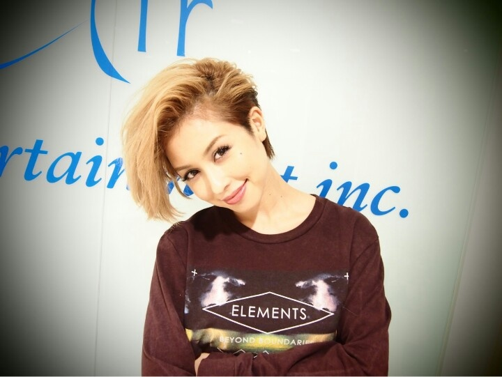 Cute singer in Japan. courtesy of BENI s official LINE page  Nice hair :-)