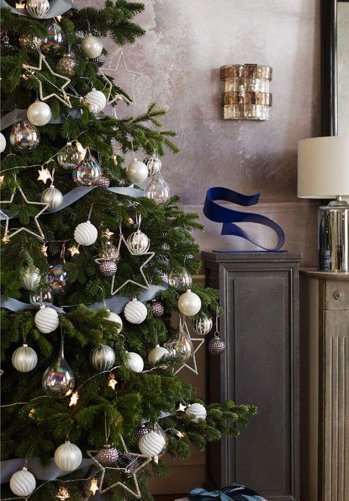 joli sapin de noel decore blanc et argent le blog deco de mlc no l and happy new year. Black Bedroom Furniture Sets. Home Design Ideas