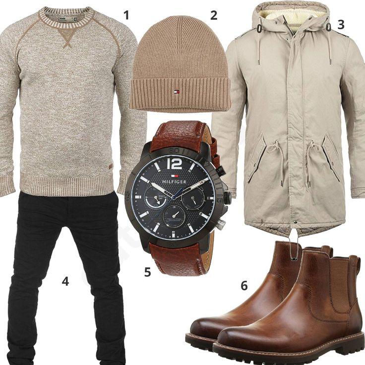 Männeroutfit mit beigem Solid Pullover und Winterparka, Tommy Hilfiger Strickmütze und Armbanduhr, braunen Chelsea Boots und schwarzer Yazubi Chino.