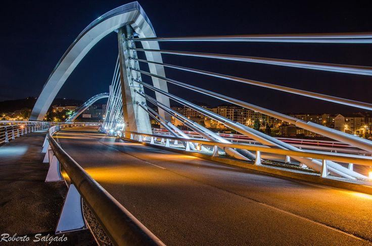 Puente Milenio 2 by Roberto Salgado on 500px