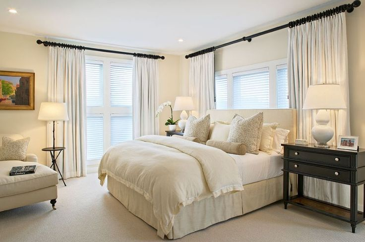 15 Tips On How To Make Your Ceiling Look Higher 1. Uplighting 2. Low profile furniture 3. Glass walls or floor to ceiling windows 4. Vertical striped walls 5. Raise doors to ceiling height 6. Use glossy paint 7. Hang picture frames a bit higher  8. Paint the ceiling lighter  9. Hang your curtains as close to the ceiling as possible. 11. Avoid using pendant lamps 12. Avoid clutter 13. Use a bold floor rug 14. High shelves will trick the eye 15. Tall accessories are more than welcomed