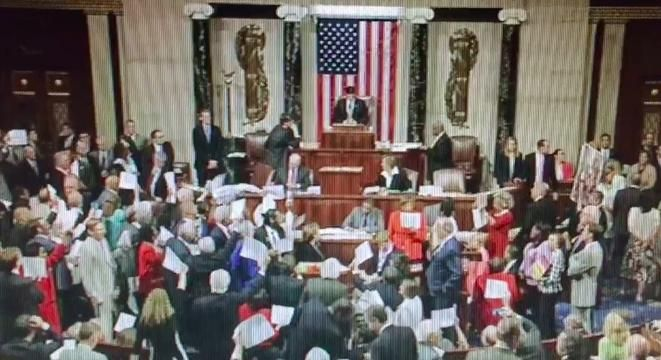 Chaos Breaks Out As Speaker Paul Ryan Attempts To Reconvene The House During Democrats' Sit-In http://digg.com/2016/congress-sit-in-democrats-no-bill-no-break Chaos Breaks Out As Speaker Paul Ryan Attempts To Reconvene The House During Democrats' Sit-In