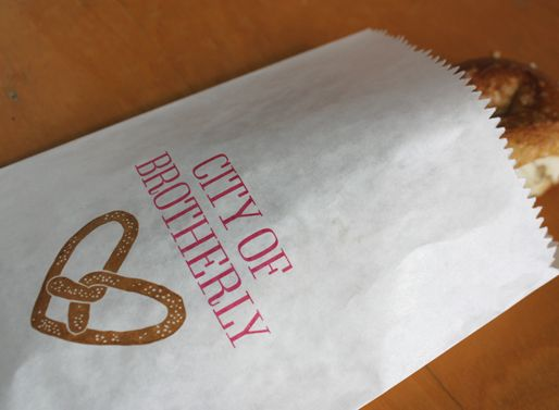 8 Creative Hometown Wedding Favor Ideas | All Women Stalk