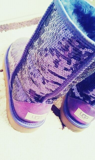 A scale of blues and purples UGG sparkle boot✨✨