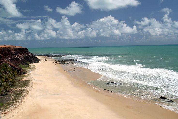 Praias brasileiras que são a cara do verão Pipa vista do alto do Chapadão da praia dos Afogados, no Rio Grande do Norte (foto: Eduardo Vessoni)