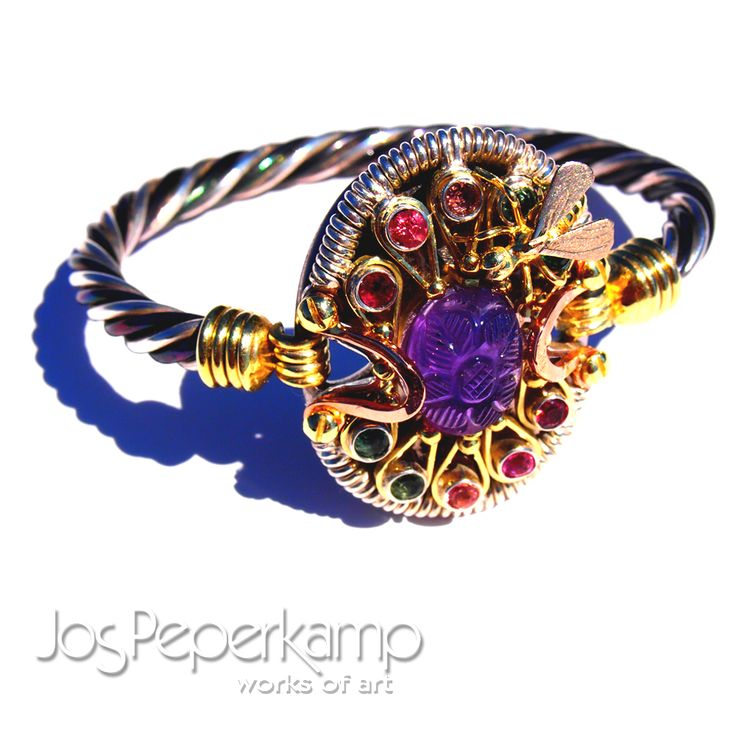 Jos Peperkamp, works of art, STEAMPUNK bracelet made of white, yellow and red gold Ziver, Titanium Zirconium, Amatist and tourmaline,