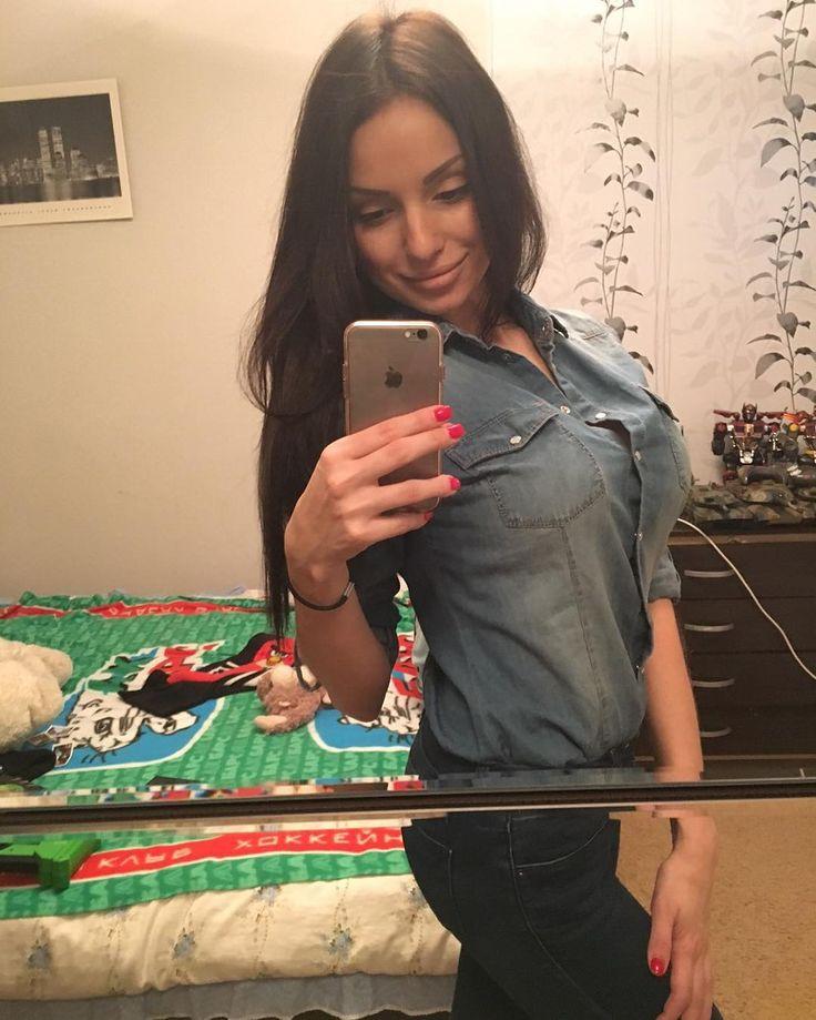 Сегодня у моей единственной СТАРШЕЙ(!!!) родной сестренки @natasha.kalinckina2016 НЕ день рождения. Я просто решил выложить её фотографию   p.s.напоминаю что мне 25 а не 40   #россия #волгоград #москва #сестра #красавица #миссвселенная #2016 #натали #родственники #russia #volgograd  #moscow #beauty #belle by kalinkin_stas