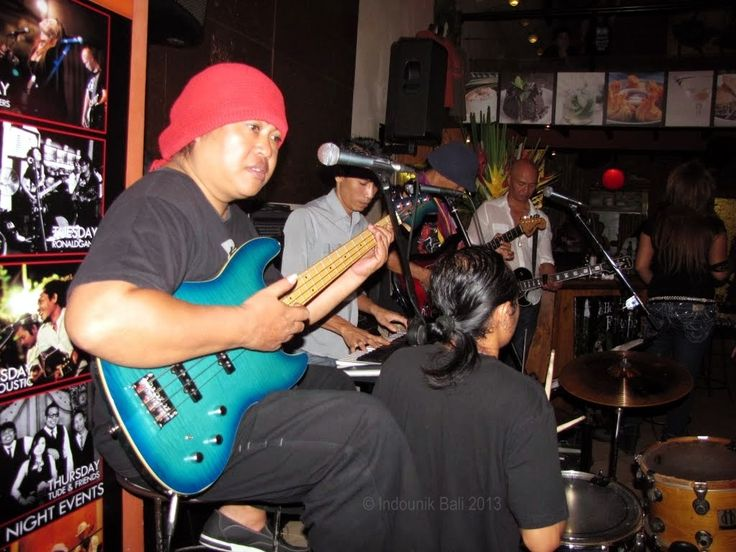 Bass player Kin with Magic Mushroom Blues Band, playing at Laughing Buddha, Jalan Monkey Forest, Ubud, Bali. You can catch them there every Monday night. Photo © Indounik Bali 2013 #music #musik #blues #Bali #Kin