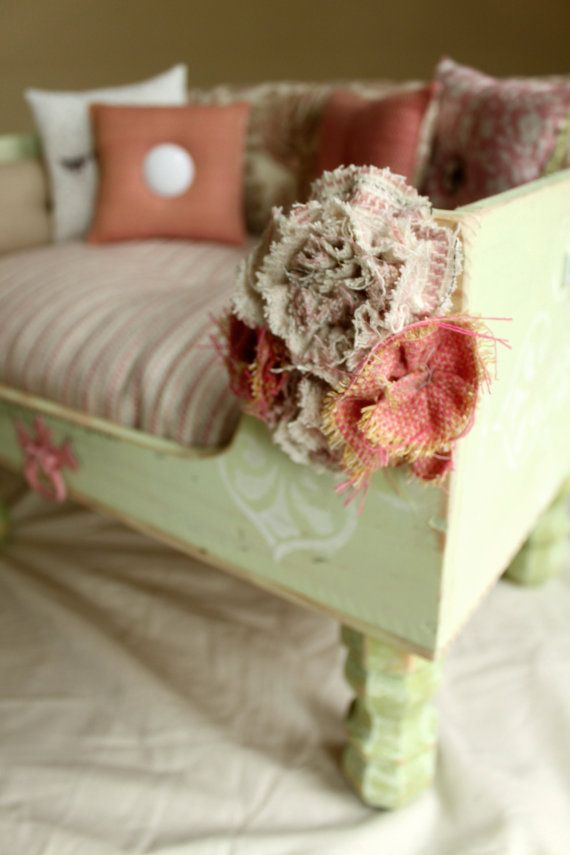 Shabby chic pet bed this is it i love this pet for Shabby chic dog