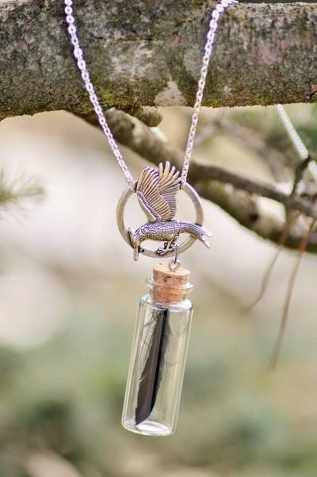 Colliers mi-longs, Collier Hunger Game, Geai moqueur, katniss est une création orginale de fairylittle sur DaWanda